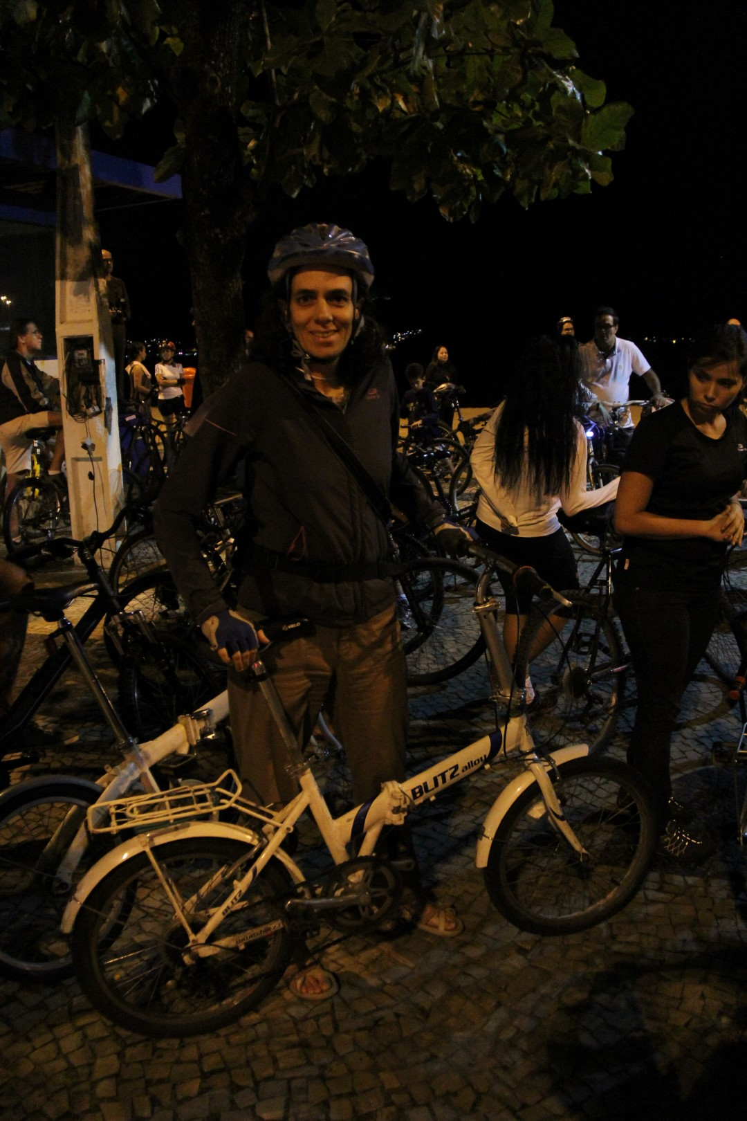 Eliana Garcia pronta para o pedal urbano